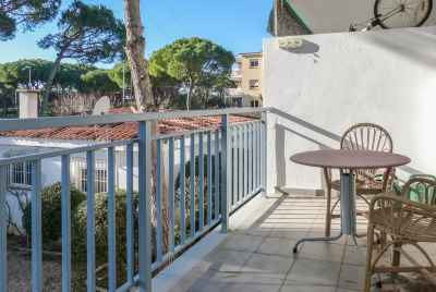 Apartment with a terrace near the sea 30 min from Barcelona